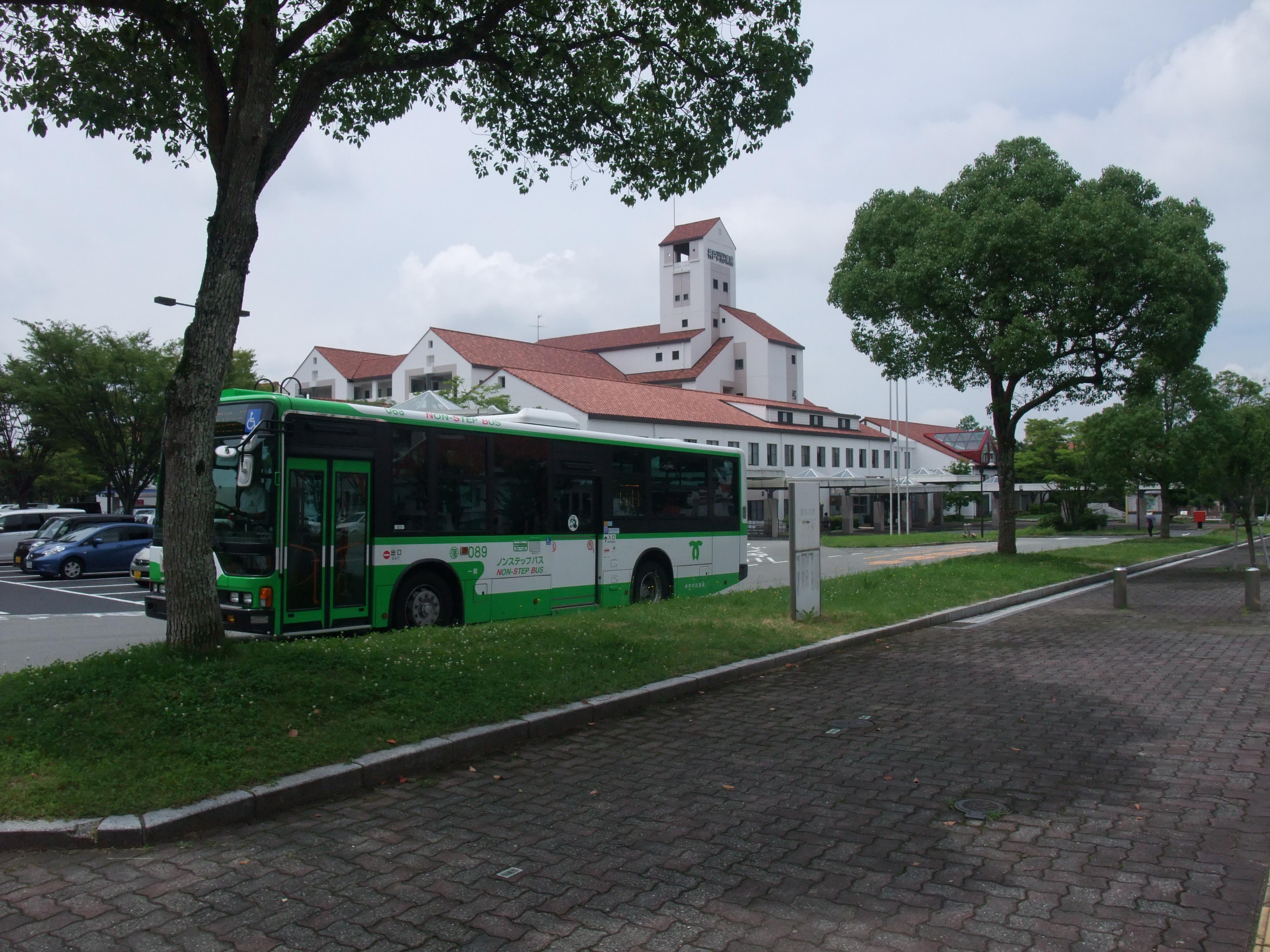 しあわせの村バス